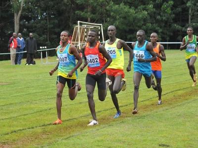 800m men heat 2-winner-0402 Nobert-Colombos-0298-Samwel-Mwita--(2)